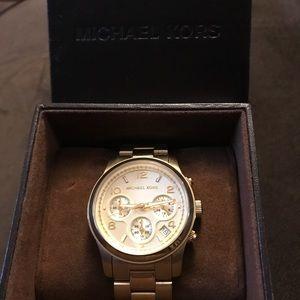 EUC Michael Kors Gold watch